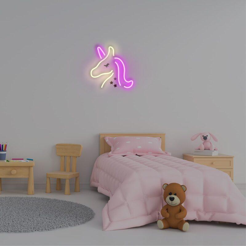מנורת נאון לחדר תינוקות
