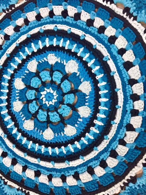 """שטיח טריקו דגם """"כחול לבן"""""""
