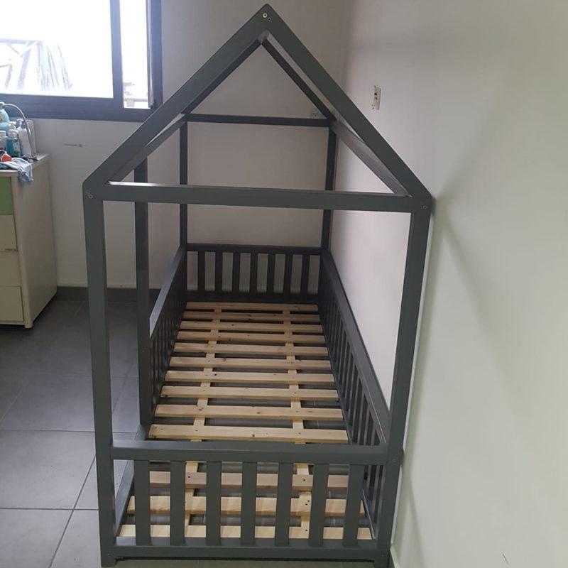 מיטת מעבר לילדים צבע אפור