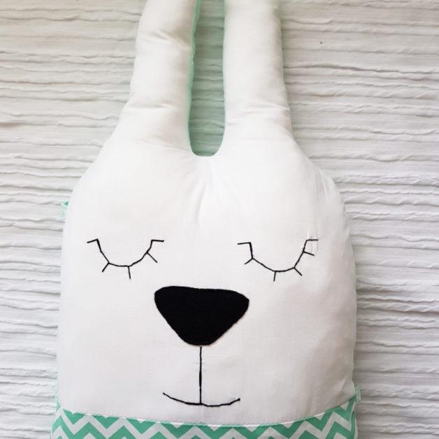 כרית בובה מעוצבת ארנב