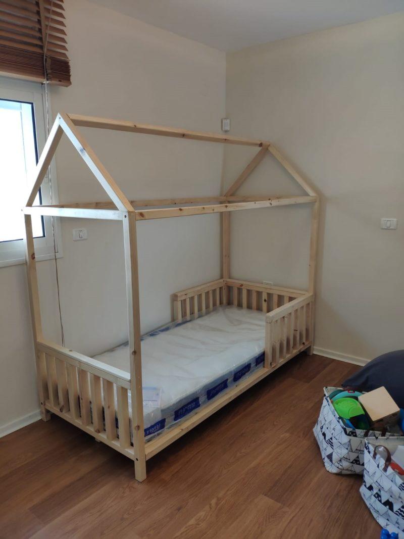 """מיטת מעבר או יחיד לתינוק """"CASA"""" בצורת בית"""