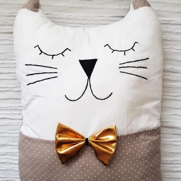 כרית בובה מעוצבת חתול