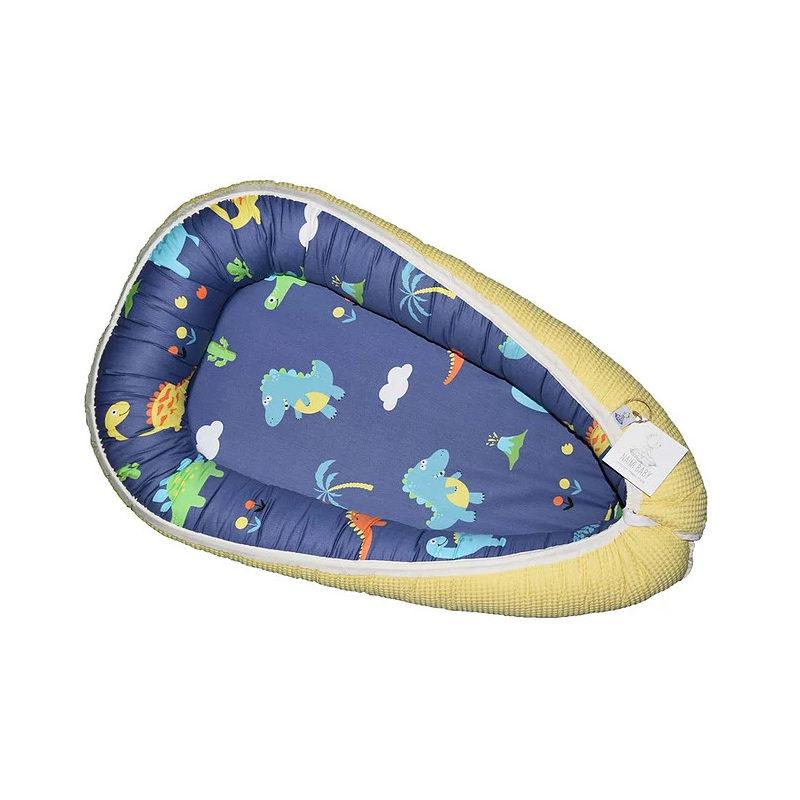 """קן שינה לתינוק דגם """"דינוזאורים כחול ופיקה צהוב"""""""