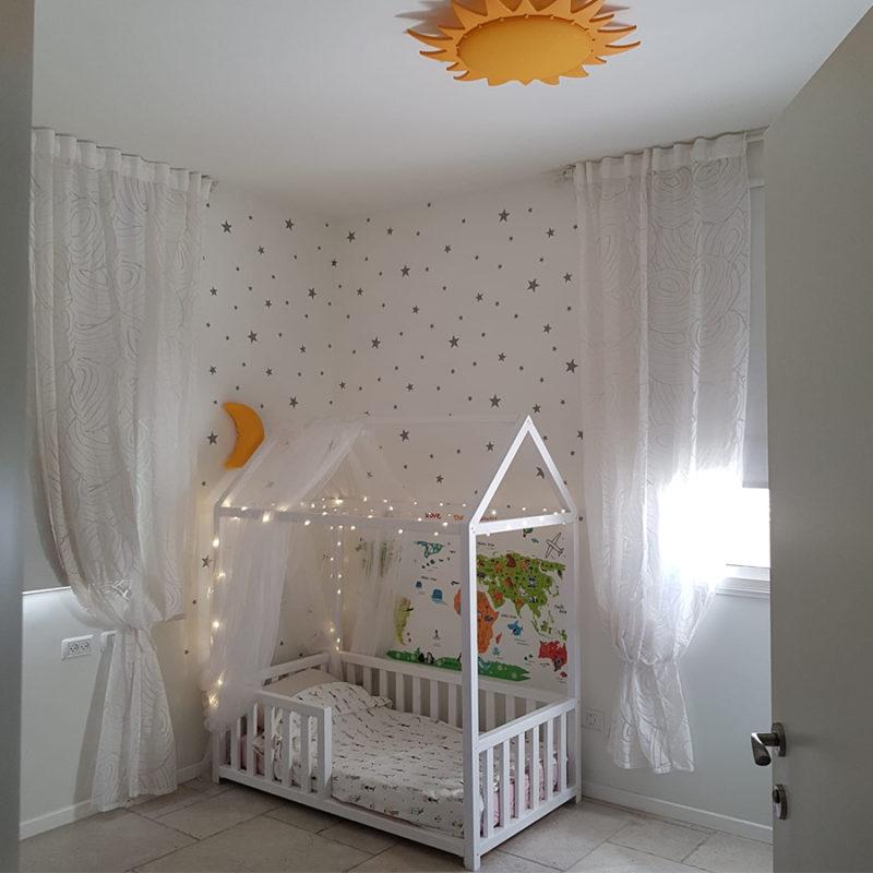 מיטת מעבר בצורת בית
