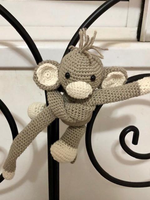 בובת קוף סרוגה