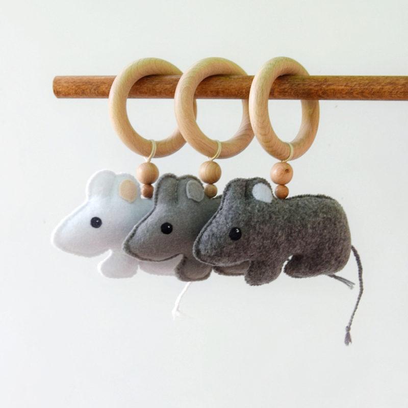 """נשכן עם צעצוע """"Little Mouse"""""""