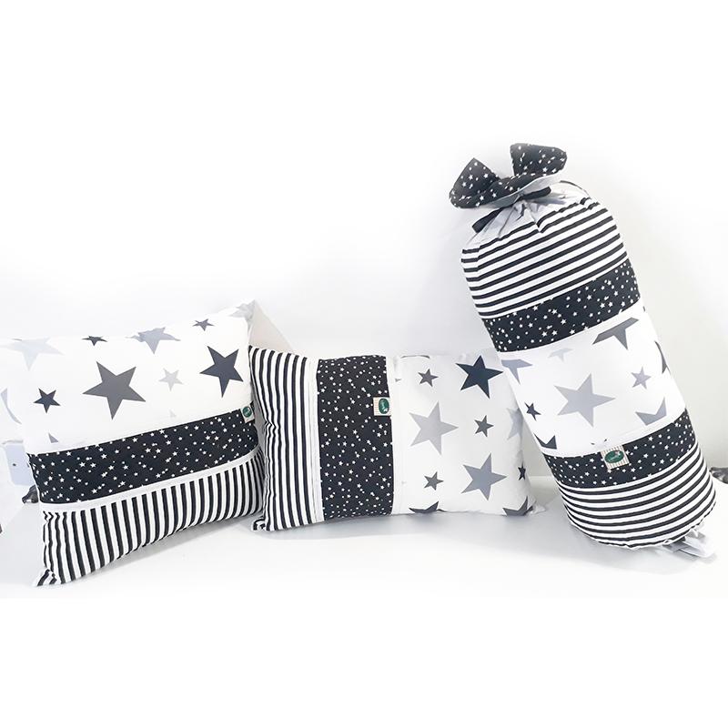 כריות נוי לחדר תינוק בצבע שחור לבן