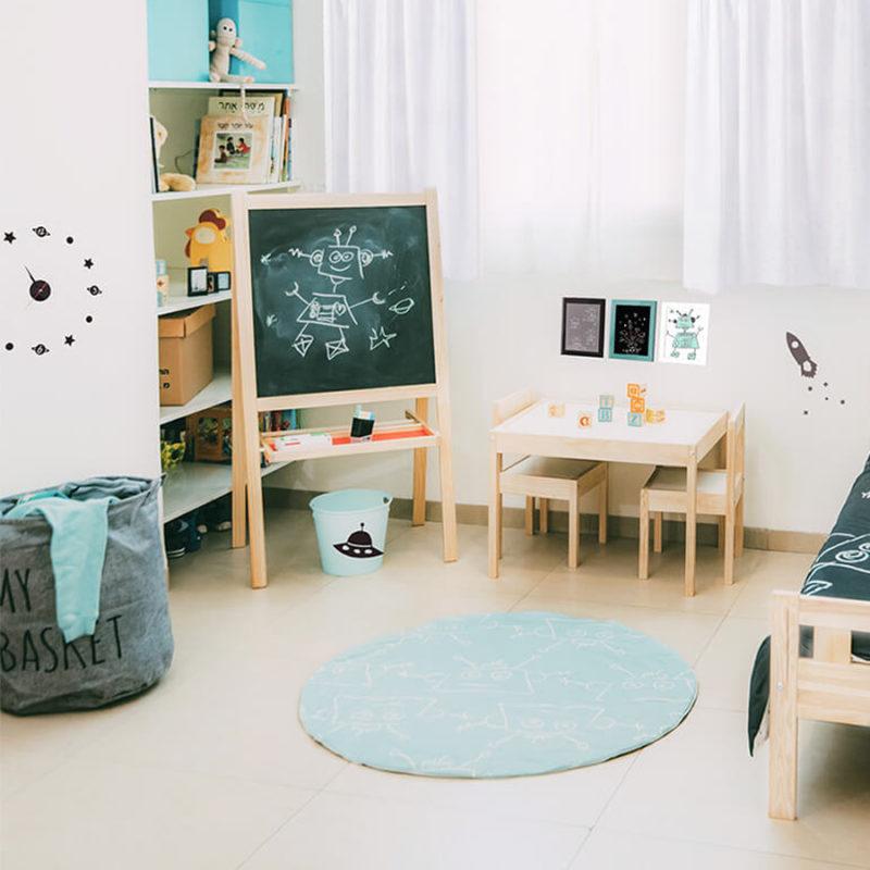 """סט עיצוב חדר דגם """"רובוט על חלל"""""""
