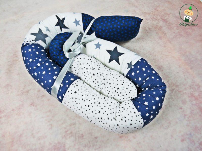 נחשוש לעגלה או למיטת תינוק כחול