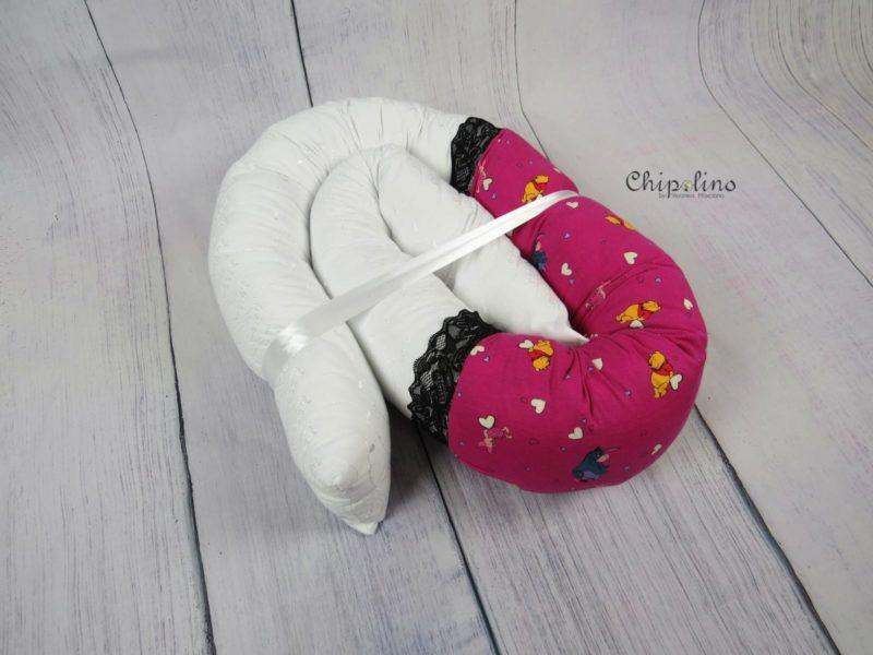 נחשוש לעגלה או למיטת תינוק אדום לבן