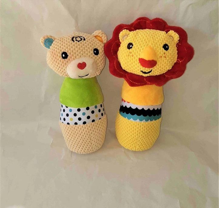 מארז מתנת לידה לתאומים צעצועים